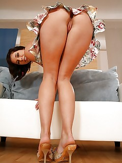 MILF Upskirt Pictures
